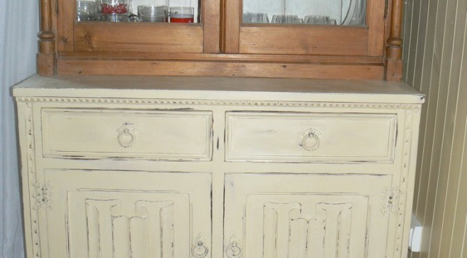 annie sloan chalk paint vienne cream annie sloan chalk. Black Bedroom Furniture Sets. Home Design Ideas